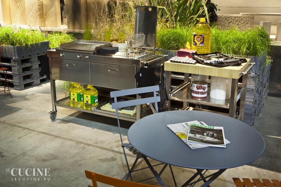 Alpes outdoor kitchen unit 130 plancha and deep fat fryer 1