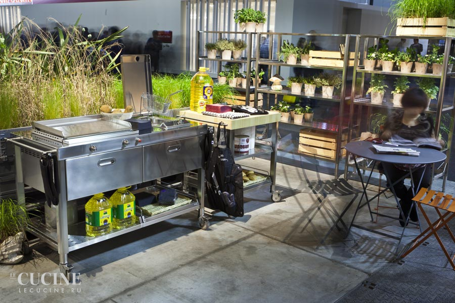 Alpes outdoor kitchen unit 130 plancha and deep fat fryer 5