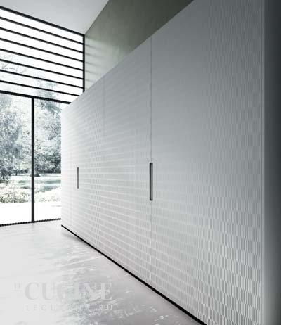 Rastelli royale heat treated acacia with texture glossy lacquered white sliding tall units 4