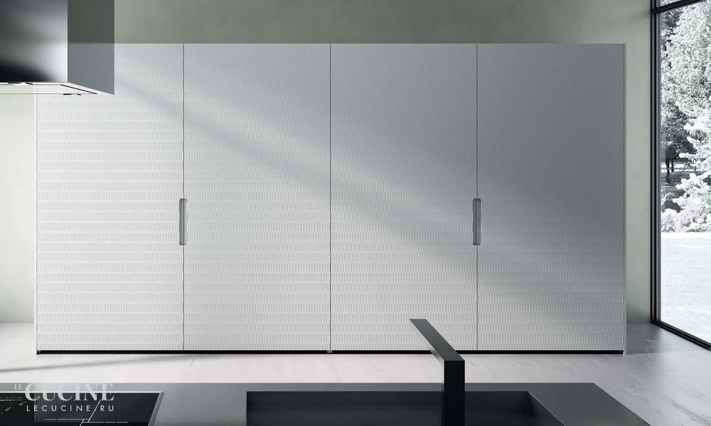 Rastelli royale heat treated acacia with texture glossy lacquered white sliding tall units 5